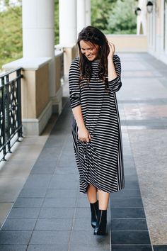 Style Blogger Courtney Toliver. Dainty Jewell's Modest Basics Dress.