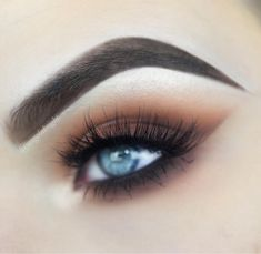 "923 Likes, 9 Comments - Angela Bright (@angelabright) on Instagram: ""I posted ANOTHER tutorial using the Modern Renaissance palette! Link in bio ✨ ▪️ @benefitcosmetics…"""