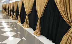 This type of is certainly a noteworthy design theme. Great Gatsby Party Decorations, Black And Gold Party Decorations, Homecoming Decorations, Black Gold Party, Prom Decor, Mascarade Party Decorations, Black And Gold Centerpieces, All Black Party, Wedding Decorations