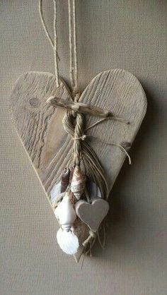 It could be that you're wrong, because in my opinion making crafts from wood is not too difficult. Let's see the LOVE wood craft ideas that you can make yourself. Crafts can be… Continue Reading → Decoration St Valentin, Valentine Crafts, Valentines, Diy And Crafts, Arts And Crafts, Heart Crafts, Wooden Hearts Crafts, Driftwood Crafts, Shell Crafts