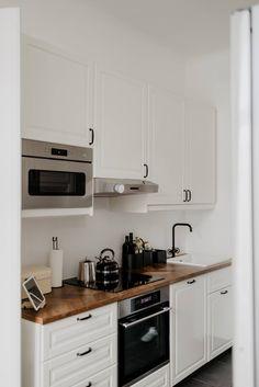 Ein nordisch inspirierter Altbau - Wiener Wohnsinnige Homestory Kitchen Cabinets, Home Decor, Homes, Decoration Home, Room Decor, Cabinets, Home Interior Design, Dressers, Home Decoration