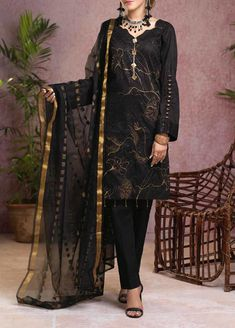 Mostly beautiful suiting designs, Salitex Signature Series Broshia Collection any occasion with our elegantly designed, chic Winter suit with intricate, Winter Suit, Fall Winter, Wedding Wear, Winter Season, Winter Collection, Kimono Top, Suits, Female, Chic
