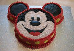Atendendo a temática da festa, o bolo do Mickey para aniversário certamente atrai a atenção do público infantil masculino, como também do feminino, uma vez