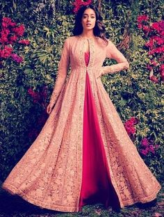 Powder Pink Bridal Lehenga by Shyamal & Bhumika Wedding-dresses Indian Wedding Gowns, Indian Gowns Dresses, Pakistani Dresses, Wedding Dresses, Kurti Designs Party Wear, Lehenga Designs, Indian Attire, Indian Outfits, Eid Outfits