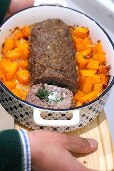Rolo de Carne Recheado com Espinafres e Queijo Cooking Recipes, Healthy Recipes, Healthy Food, Pot Roast, Meat, Ethnic Recipes, Facebook, Portugal, Anita