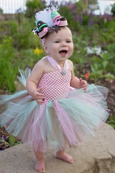 Our Beautiful Brown Pink and Mint Green Over the Top Hair Bow or Baby Headband comes attached to your choice of alligator clip, French barrette, or as a bow . Beautiful Little Girls, Cute Little Girls, Little Girl Dresses, Beautiful Babies, Baby Girls, Girl Haircuts, Little Girl Hairstyles, Easy Hairstyles, Diy Tutu Skirt