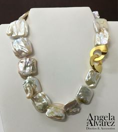 Collar de Perlas cuadradas Barrocas. @joyeriabrieva #AngelaAlvarez