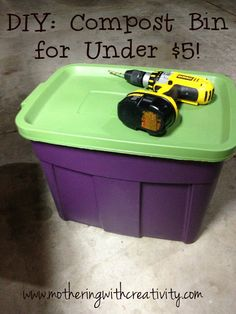 I& been on the hunt for a super frugal and easy option for a compost bin. I stumbled across this post with the easiest and cheapes. Outdoor Compost Bin, Making A Compost Bin, Compost Container, Garden Compost, Container Gardening, Diy Compost Bin, Compost Soil, Compost Tumbler, Gardens