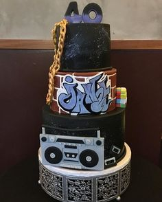 Rocking the theme for this awesome birthday cake! 80s Birthday Parties, 40th Birthday Cakes, 90s Party, Birthday Party Themes, Birthday Bash, 40th Party Ideas, School Cake, Hip Hop Party, 80s Theme