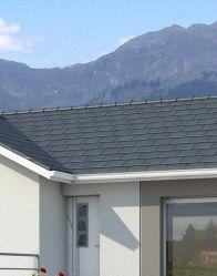 Plan de maison en L Oisans - plan maison gratuit Architecture, Garage Doors, Windows, Outdoor Decor, Dom, Home Decor, Traditional House, Roof Tiles, Arquitetura