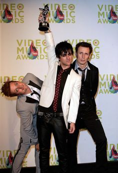 Green Day Frontman Billie Joe Armstrong Has A Meltdown on Stage.