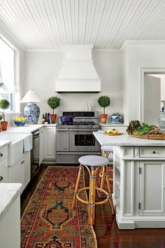 See How This Gorgeous Atlanta Home Stays In This Family - Southern Living Kitchen Decor, Kitchen Inspirations, Kitchen Rug, Interior Design Kitchen, Atlanta Homes, Kitchen Interior, Kitchen Remodel, Home Decor Styles, Home Decor