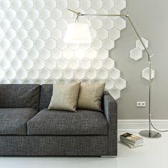 Отделка стен в гостиной 3D панелями   #3Dпанели #гостиная #пчелиныесоты