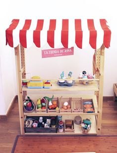 DiY play market: Easy, english and spanish using an Ikea Bookshelf by Ilustradero