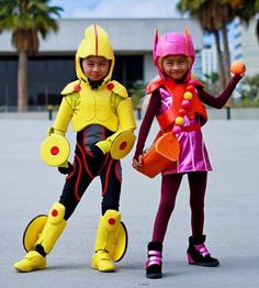 Kids cosplay: interview with Chihiro & Chieko - Honey Lemon and GoGo Tamago Big Hero 6 l @nerdist