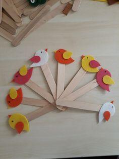 23 nisan için ayraç #ayraç #keçe #kuş Popsicle Stick Crafts, Popsicle Sticks, Craft Stick Crafts, Easy Paper Crafts, Diy And Crafts, Crafts For Kids, Bookmarks, Children, Gifts