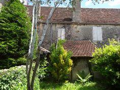 Maison de village en pierre avec jardin et garage. 82.100 €  Réf.:CA5418  http://www.pleinsudimmo.fr/fr/annonces-immobilieres/offre/labastide-murat/bien/109500/maison-de-village-en-pierre-avec-jardin-et-garage.html