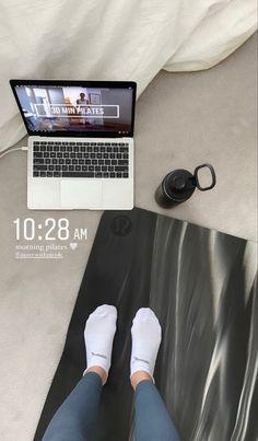 Sport Motivation, Fitness Motivation, Healthy Lifestyle Motivation, Fitness Goals, Creative Instagram Stories, Instagram Story Ideas, Foto Sport, Mode Poster, Workout Aesthetic