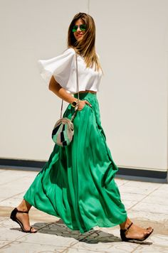 How to Chic: FASHION BLOGGER STYLE - MS TREINTA Summer time - style - outfit - ideas - maxi skirt - green - fashion