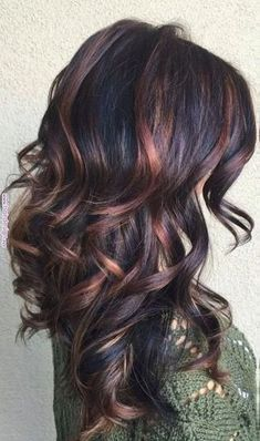 36 ideas for hair color curly highlights low lights - Fall Hair Colors Colored Curly Hair, Dark Curly Hair, Pinterest Hair, Hair Color Balayage, Bayalage, Gorgeous Hair, New Hair, Cool Hairstyles, Scene Hairstyles