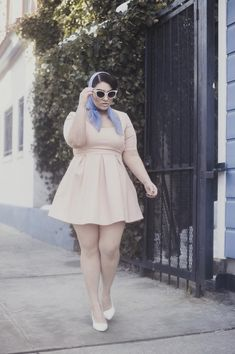 Very vintage-cute shot of Nadia Aboulhosn Check out my blog for more body positivity and curves :)