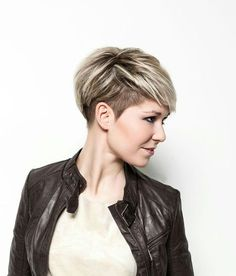23 Stylische Pixie-Haarschnitt-Ideen - hair styles for short hair Summer Hairstyles, Girl Hairstyles, Hairstyles 2018, Newest Hairstyles, Funny Hairstyles, Pixie Undercut Hair, Short Undercut Hairstyles, Pixie Cut With Undercut, Pixie Haircut For Thick Hair