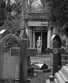 Ethel Preston at Lawnswood Cemetery by Tim Green aka atoach, via Flickr