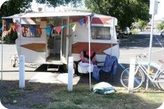 Little Picnic will park their charming 50s caravan at a selected park and set up a picnic table, rugs, cushions and bunting. Little Picnic.