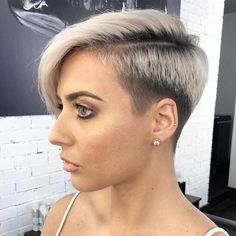 Latest Pixie and Bob Short Haircuts For Women 2019 - Short haircut has its elegant ways to style. The Pixie variant is one of the most elegant ways to style short hair. The cut is uncomplicated, dries qu. Modern Bob Hairstyles, Stacked Bob Hairstyles, Trendy Haircuts, Short Pixie Haircuts, Undercut Hairstyles, Cool Haircuts, Short Undercut, Medium Hair Cuts, Short Hair Cuts For Women