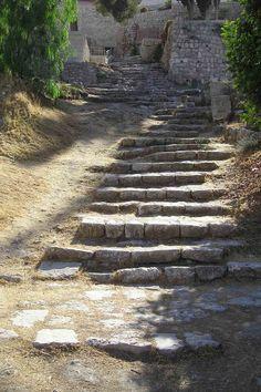 Original steps leading to St. Peter Galligantu