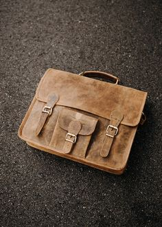 The leather satchel bag for men has to be the best bag for uni. Shop our back to Uni range now and make the most of our student discount while you can! University Bag, Back To University, University Style, Mens Leather Satchel, Leather Laptop Bag, Leather Shoulder Bag, Leather Bag, Uni Shop, Satchel Bags For Men