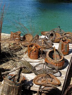 Baskets from the workshop. Willow Weaving, Basket Weaving, Basket Willow, Flax Fiber, Pine Needles, Weaving Art, South Of France, Gourds, Textiles
