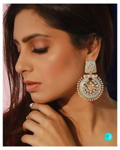 Chaanbadli in a new avatar, Polki encrusted in gold with complimentary pastel blue & pink (enamel), woven with precious pearls✨ Indian Jewelry Earrings, Fancy Earrings, Indian Wedding Jewelry, Antique Earrings, Enamel Jewelry, Bridal Jewelry, Jewelery, Silver Jewelry, Antique Jewellery Designs