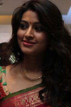 Beautiful Indian Girl Sneha In Yellow Saree - Tollywood Stars Beautiful Girl Indian, Most Beautiful Indian Actress, Beautiful Saree, Beautiful Actresses, Beautiful Women, Beauty Full Girl, Beauty Women, Sneha Actress, Tamil Actress