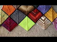 This pattern looks best with two strongly contrasting colors, however which color you choose for the main color will make a difference. Two-color Stitch Patt...