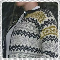 Bilderesultat for valldal kofte oppskrift Diy And Crafts, Men Sweater, Knitting, Sweaters, Handmade, Inspiration, Fashion, Hand Made, Biblical Inspiration