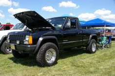 jeep comanche maybe someday my truck will look like this! Jeep Wagoneer, Jeep Xj, Jeep Pickup, Jeep Truck, Pickup Trucks, Comanche Jeep, Maybe Someday, Jeep Cherokee, Jeep Life