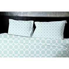 Decorate and personalize your home with this beautiful geometric duvet cover that embodies color and style.