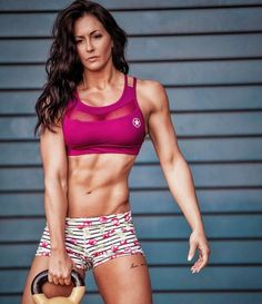 Female Crossfit Athletes, Gym Body, Cool Poses, Fitness Motivation Pictures, Muscular Women, Muscle Girls, Female Bodies, Bikini Girls, Fitness Inspiration