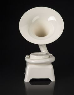 Phonofone II by Tristan Zimmermann