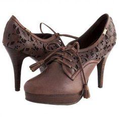 siempre quieres comprar pero muchas veces no tienes tiempo. Compra desde casa aquí: http://velez.dafiti.com.co/Zapatos-Velez-Cafe-31728.html
