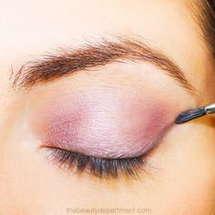 You HAVE to try this quick little trick to make your eye shadow come alive! Once you learn it, you'll never skip it again (and no it's not a primer!)... click through to peep the steps!