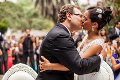 Cuando solo hace falta un par de accesorios en el peinado para darle un up al look Foto: Miguel Aguirre Giol http://www.velodevainilla.com/categoria/matrimonios-llenos-de-amor/
