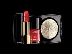 Piume, Camelie e un tocco di rosso | BeautyMarinaD