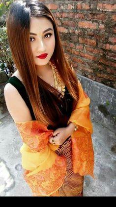 Beautiful Girl Indian, Beautiful Girl Image, Beautiful People, Beautiful Women, Pakistani Dress Design, Pakistani Dresses, Indian Dresses, Dress Fashion, Women's Fashion