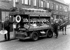 19 New Ideas Funny Photos Vintage History Delft, Vintage Pictures, Old Pictures, Good Old Times, I Amsterdam, Leiden, Rotterdam, Utrecht, The Good Old Days