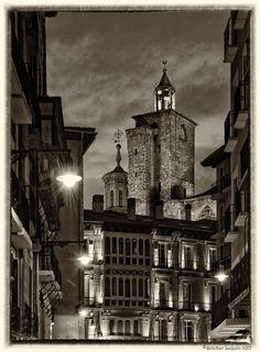 Pamplona by Aitziber Luquin Pamplona, Big Ben, Louvre, Travel, Antigua, Cities, Spain, Viajes, Destinations