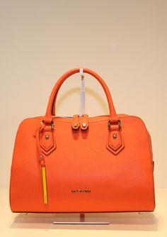 Cromia Perla koraal @ Lutgarde Bags and more - www.lutgarde.nl/shop or in Maastricht!  On Sale now.