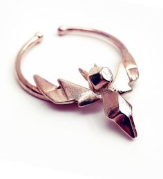 Items similar to HUGE FAKE SEPTUM - Nose Cuff - No Piercing - nose ring - hoop nose ring, big septum - Fashion editorial jewelry - Hype - Avant Garde piece on Etsy Septum Piercing Schmuck, Faux Septum Ring, Septum Nose Rings, Fake Nose Rings, Septum Jewelry, Piercings, Nose Stud, Jewlery, Jewelry Editorial