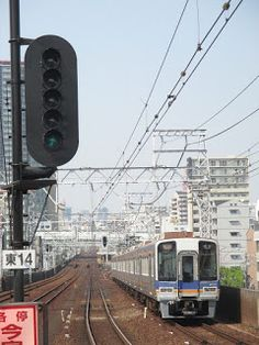 blackcat写真館: 南海電車 新今宮駅にて